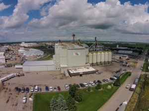 Feed Mills like this one in Lethbridge Alberta are the source of particulate matter releases, which have almost doubled in the Animal Food Manufacturing industry since 2014. (Credit: Hi Pro Feeds)
